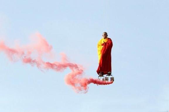 法国上演的中国特色悬空艺术表演(图)
